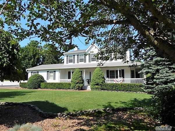 1 Deerfield Dr, Wading River, NY 11792 (MLS #3045122) :: Keller Williams Points North