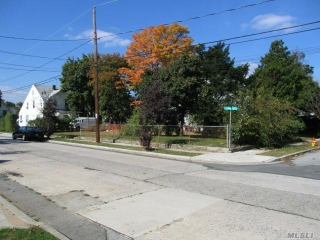 87 Leonard Ave, Freeport, NY 11520 (MLS #3045265) :: Netter Real Estate