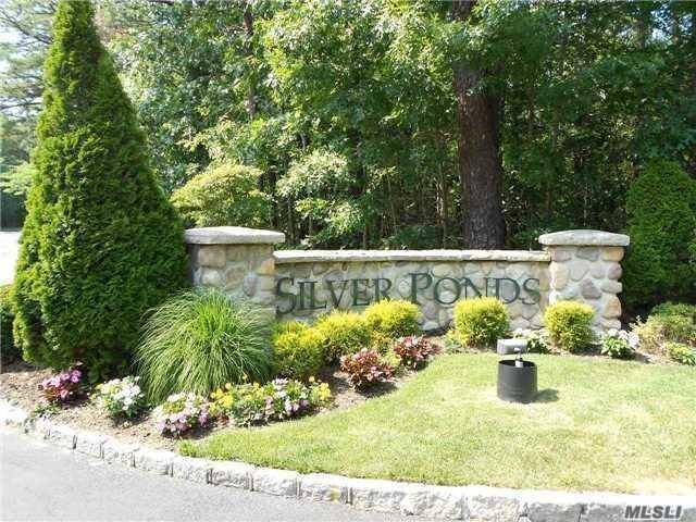 281 Ranch Cir, Manorville, NY 11949 (MLS #3045907) :: Netter Real Estate