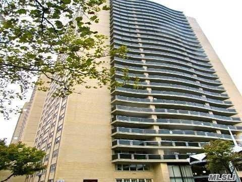 66-36 Yellowstone Blvd 3E, Forest Hills, NY 11375 (MLS #3046046) :: Netter Real Estate