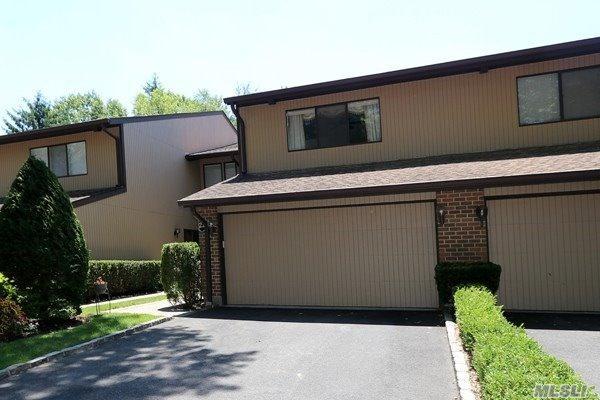 23 Wimbledon Dr, Roslyn, NY 11576 (MLS #3046245) :: Netter Real Estate