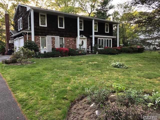 160 Main Ave, Lake Grove, NY 11755 (MLS #3046415) :: Keller Williams Points North