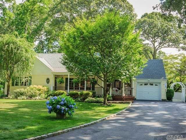 4 Wheeler Dr, Huntington Sta, NY 11746 (MLS #3048099) :: Platinum Properties of Long Island
