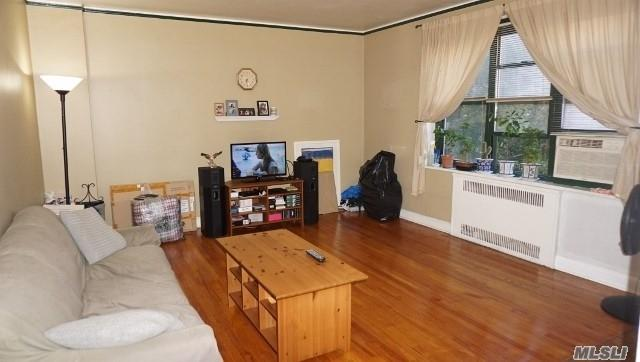 34-20 79 St 3H, Jackson Heights, NY 11372 (MLS #3048328) :: Netter Real Estate