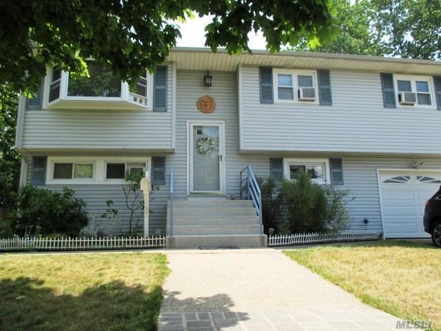 37 Gulf St, Lindenhurst, NY 11757 (MLS #3048668) :: Netter Real Estate