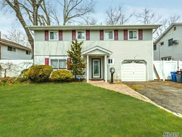 82 Todd Ct, Huntington Sta, NY 11746 (MLS #3049274) :: Platinum Properties of Long Island