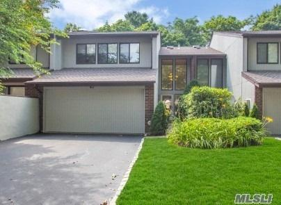 43 E View Ct, Jericho, NY 11753 (MLS #3049310) :: Netter Real Estate