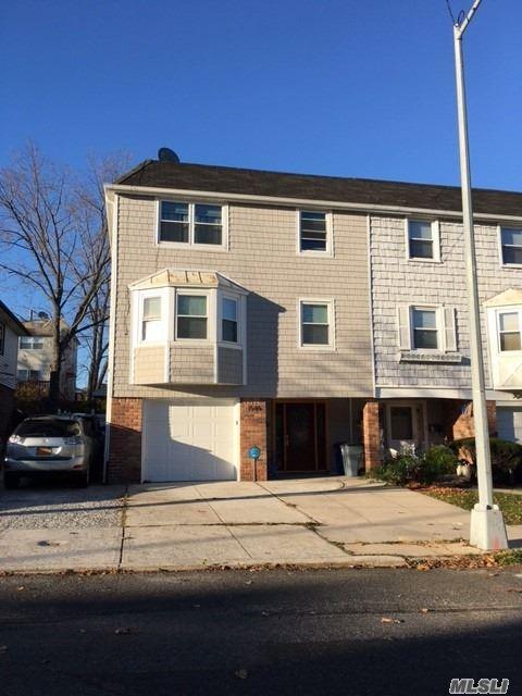15-46 215 St, Bayside, NY 11360 (MLS #3049316) :: Netter Real Estate