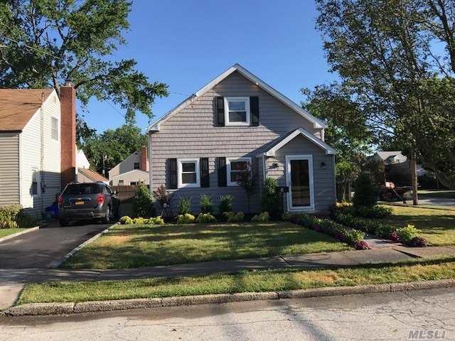 3 Shine Pl, Valley Stream, NY 11580 (MLS #3049952) :: Platinum Properties of Long Island
