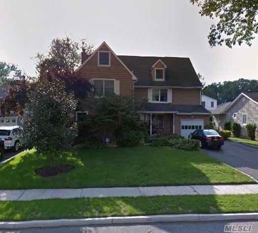 6 Spruce St, Garden City, NY 11530 (MLS #3049989) :: The Lenard Team