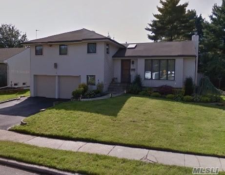 5 S Oaks Blvd, Plainview, NY 11803 (MLS #3050335) :: The Lenard Team