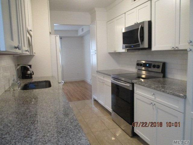115 Hill Spur St, Calverton, NY 11933 (MLS #3050590) :: Netter Real Estate