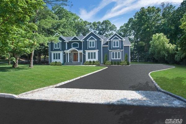 8 Beaufort Ln, Woodbury, NY 11797 (MLS #3050789) :: Keller Williams Points North