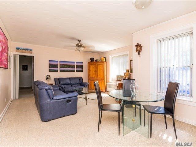 55-01 31st Ave 3G, Woodside, NY 11377 (MLS #3051669) :: Netter Real Estate