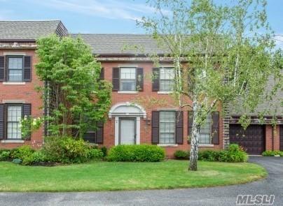 283 Helm Ln, Bay Shore, NY 11706 (MLS #3052988) :: Netter Real Estate