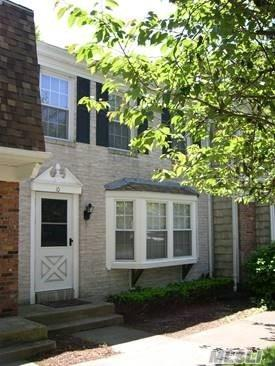 10 Penn Commons, Yaphank, NY 11980 (MLS #3053274) :: Netter Real Estate