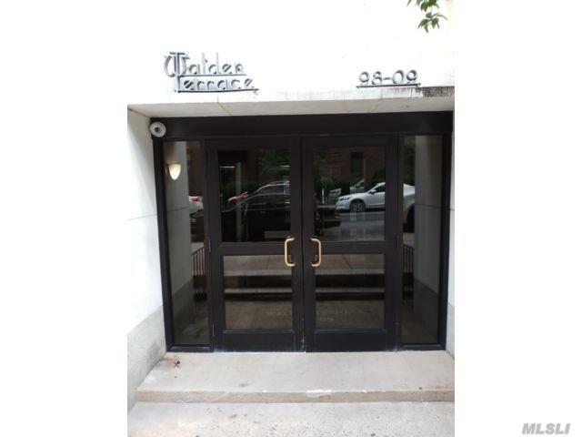 98-09 64 Rd 7E, Rego Park, NY 11374 (MLS #3053357) :: Netter Real Estate