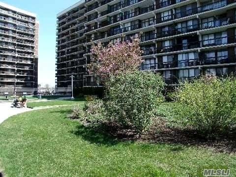 150-38 Union Tpke 5P, Flushing, NY 11367 (MLS #3053539) :: Netter Real Estate
