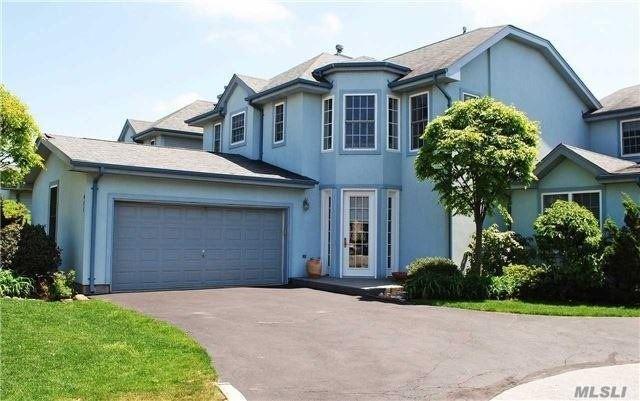 411 Madeira Blvd, Melville, NY 11747 (MLS #3054156) :: Netter Real Estate