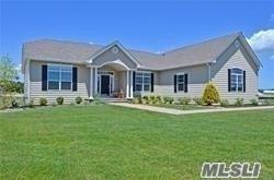 37 Stargazer Dr, Eastport, NY 11941 (MLS #3054387) :: Netter Real Estate