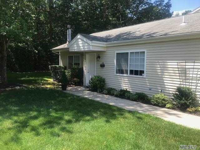 114 Owls Nest Ct, Manorville, NY 11949 (MLS #3055057) :: Netter Real Estate