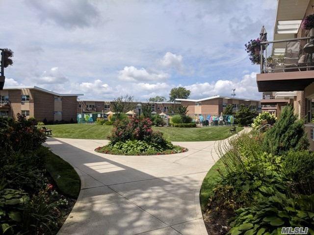 4 Rose St 7C2, Oceanside, NY 11572 (MLS #3055443) :: Netter Real Estate