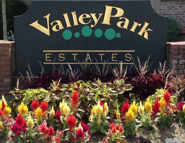 1803 Shipley Ave #4, Valley Stream, NY 11580 (MLS #3055883) :: Netter Real Estate