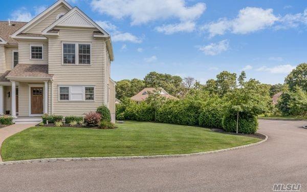 20 Canoe Place Rd, Hampton Bays, NY 11946 (MLS #3056507) :: Netter Real Estate