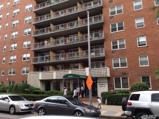 160-10 89 Ave 1F, Jamaica, NY 11432 (MLS #3057091) :: Netter Real Estate