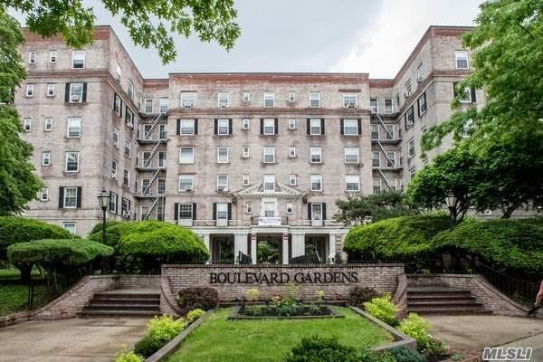 3081 54th St 2H, Woodside, NY 11377 (MLS #3059081) :: Keller Williams Points North