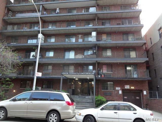 42-42 Union Street L3, Flushing, NY 11355 (MLS #3062149) :: Keller Williams Points North