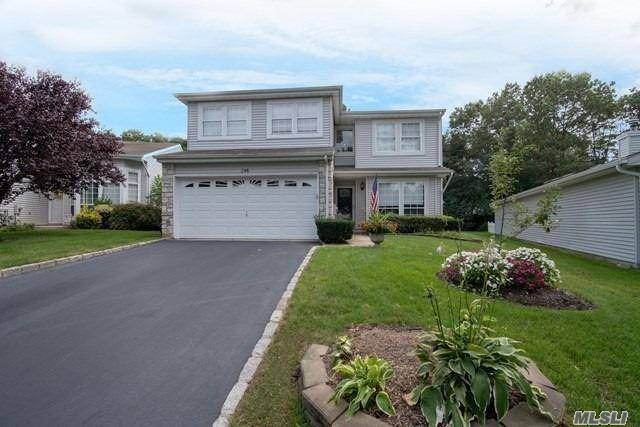 246 Fairfield Dr, Holbrook, NY 11741 (MLS #3062158) :: Shares of New York