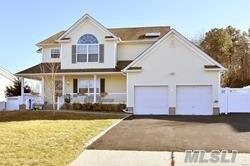 18 Windjammer Xing, Manorville, NY 11949 (MLS #3063522) :: Keller Williams Points North