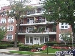 70 N Grove 2K, Freeport, NY 11520 (MLS #3065364) :: The Lenard Team