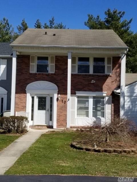 10 Appomattox Ct, Coram, NY 11727 (MLS #3066016) :: The Lenard Team