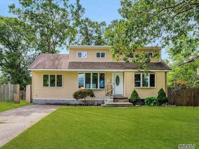 12 East Ct, Centereach, NY 11720 (MLS #3066057) :: Keller Williams Points North