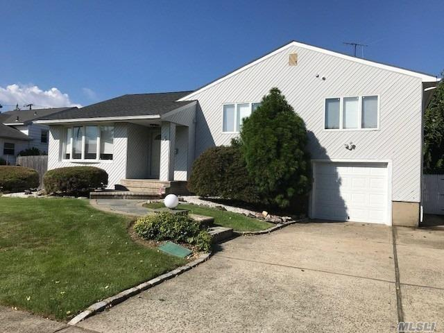 5 Cambria Rd, Syosset, NY 11791 (MLS #3066401) :: Shares of New York