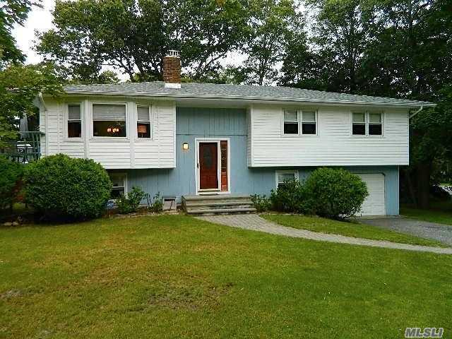2 Shinnecock Ln, Hampton Bays, NY 11946 (MLS #3066431) :: Keller Williams Points North