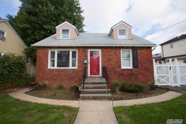 1316 Appeal Ave, Elmont, NY 11003 (MLS #3066752) :: The Kalyan Team