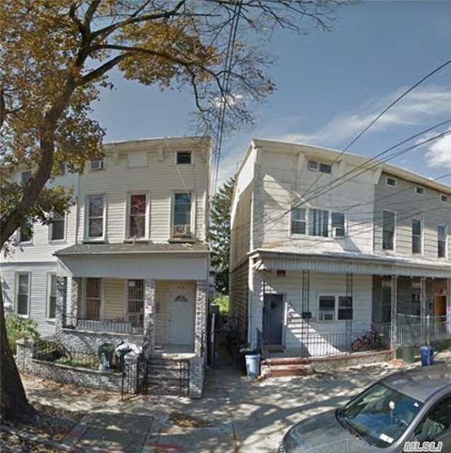 88-34 75th St, Woodhaven, NY 11421 (MLS #3067083) :: The Kalyan Team
