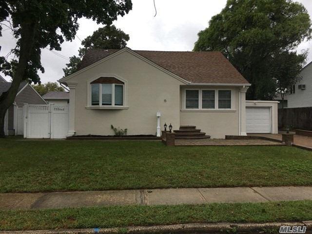 15 Abbott St, W. Babylon, NY 11704 (MLS #3067254) :: Netter Real Estate