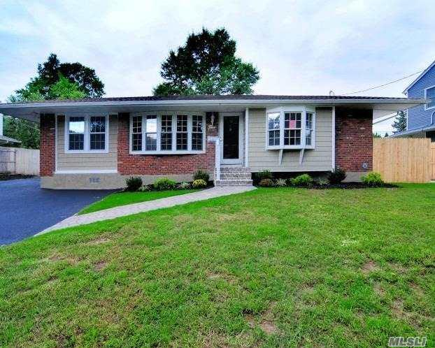 5 Fruitwood Ln, Commack, NY 11725 (MLS #3067287) :: Keller Williams Points North
