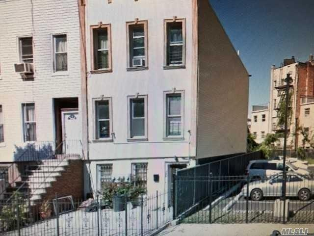 745 Decatur St, Brooklyn, NY 11233 (MLS #3067770) :: Netter Real Estate