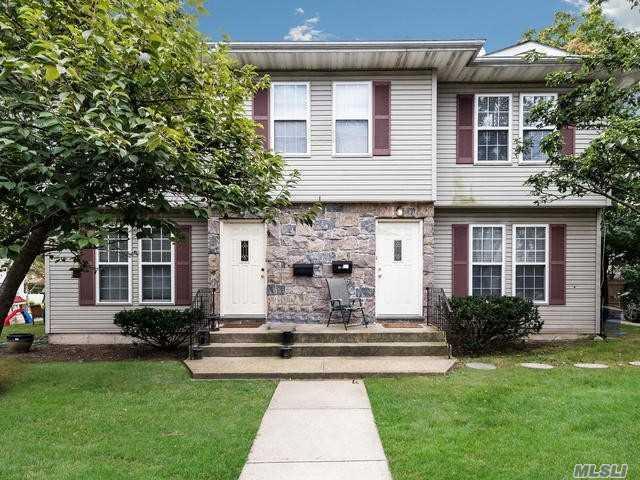 26 Pequot Ave, Port Washington, NY 11050 (MLS #3067918) :: Netter Real Estate
