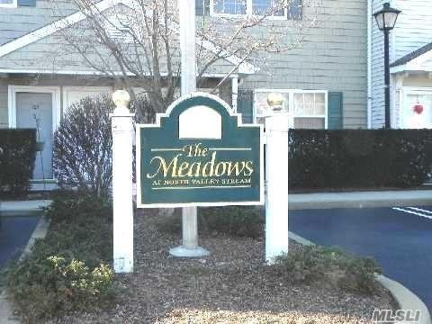 108 Meadow Cir, N. Valley Stream, NY 11580 (MLS #3069358) :: Netter Real Estate