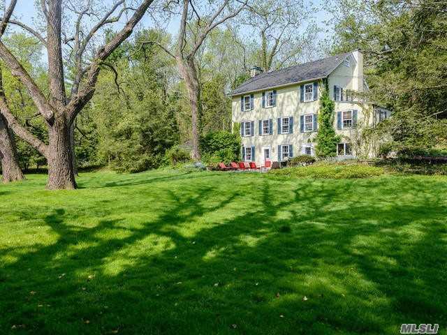 290 Southdown Rd, Lloyd Harbor, NY 11743 (MLS #3071542) :: Signature Premier Properties