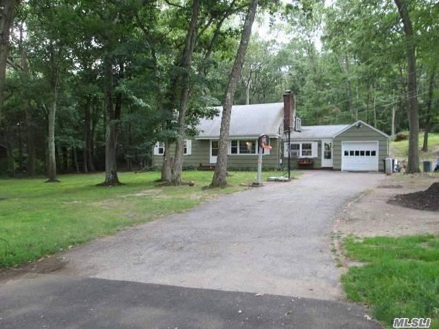 54 Landview Dr, Dix Hills, NY 11746 (MLS #3073518) :: Signature Premier Properties