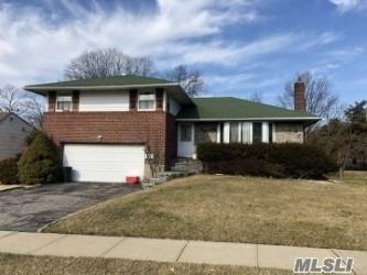 4 Birchwood Park Dr, Syosset, NY 11791 (MLS #3073616) :: Signature Premier Properties