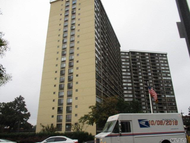 2 Bay Club Dr 1M, Bayside, NY 11360 (MLS #3078239) :: Shares of New York