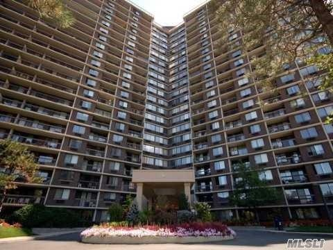 1 Bay Club Dr 19M, Bayside, NY 11360 (MLS #3079834) :: Shares of New York